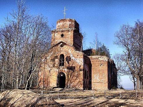 В Ленинградской области восстановят храм и построят этнографическую деревню