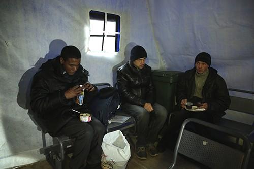 """В """"Ангаре спасения"""" для бездомных ежедневно принимают свыше 50 человек"""