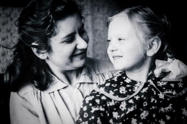Жена Софья Александровна Николаева и дочь Татьяна. 1955г