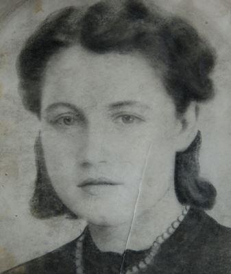 «Женщин с детьми отправляли в душ, а там пускали газ» — рассказ узницы Освенцима