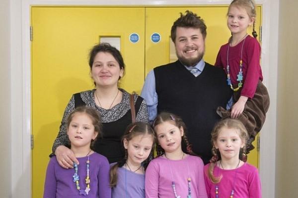 Русские пятерняшки Елизавета, Александра, Надежда, Татьяна и Варвара Артамкины, 7 лет