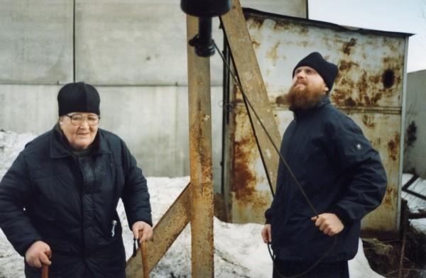 Слева - Игумен Михей (Тимофеев)