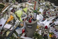 В редакциях российских СМИ пройдет минута молчания в память о коллегах, погибших в результате теракта в Париже