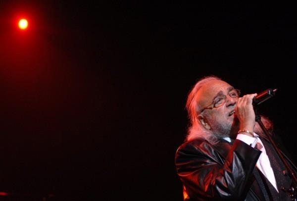 В Афинах скончался греческий певец Демис Руссос