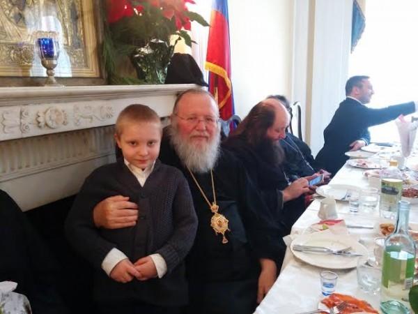После Рождественсеого богослужения с участием Миьрополита Иоариона в НЙ 7 январч 2015 года в Cинодальный Cобор Знамения Божией Матери