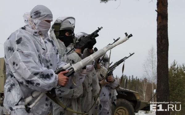 Во время марш-броска свердловские бойцы спецназа спасли замерзавшую пожилую женщину