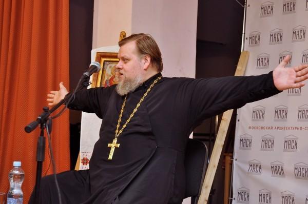 Протоиерей Леонид Калинин: Модно ругать Россию, а Спасо-Андроников монастырь видели?