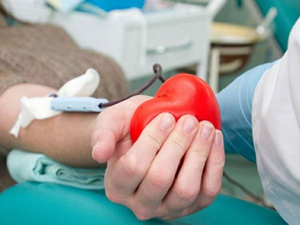 Врачу, ценой тяжёлых травм спасшему ребёнка, нужна донорская кровь