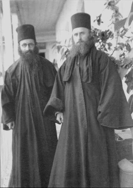 Монах Василий (Кривошеин) и иеродьякон Софроний (Сахаров), 1933г. Афон