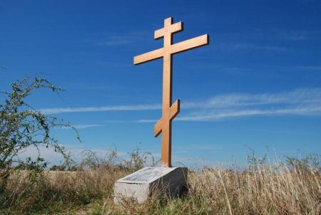 В Николаевской области вандалы свалили поклонные кресты