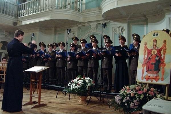 Православный солдатский хор записал альбом с песнопениями на иностранных языках