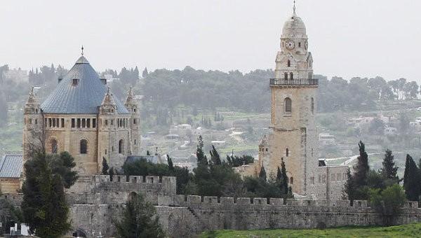 Вандалы напали на здание Христианского культурного центра в Иерусалиме