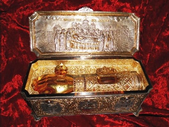 Более 70 000 человек поклонились Деснице Димитрия Солунского в Новоспасском монастыре