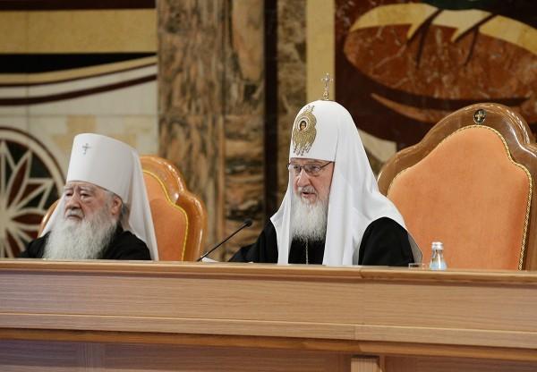 Патриарх Кирилл: Одна из задач епархиальных СМИ — находить интересное в современной жизни Церкви, а не только в ее прошлом