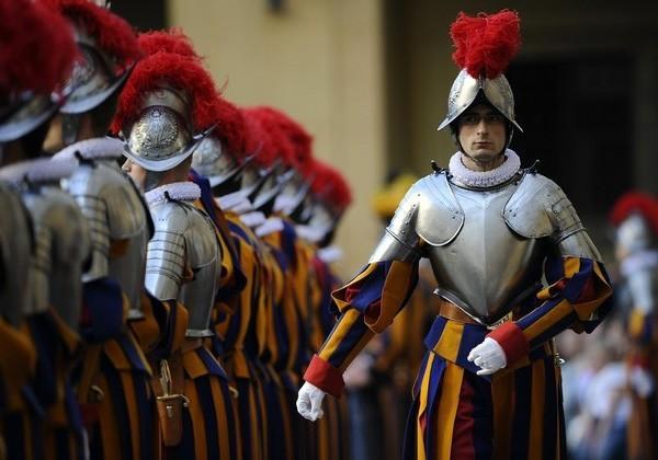 Швейцарская гвардия Ватикана готова защитить Папу от «Исламского государства»