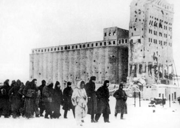 Пленённые под Сталинградом немецкие солдаты
