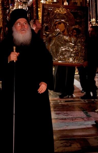 """Список иконы """" Отрада или Утешение"""" покидает монастырь"""