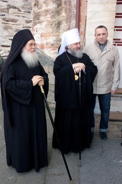 Отец Ефрем, митрополит Павел и Холдин Александр Васильевич из общества православных меценатов