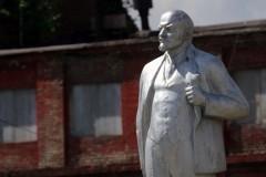 В Госдуме предлагают убрать памятники Ленину с центральных улиц российских городов