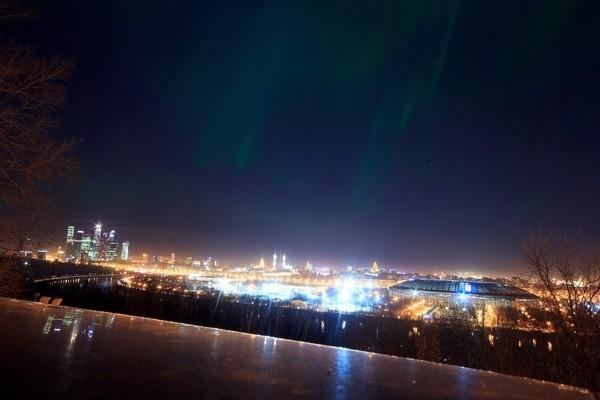 Москвичи смогли увидеть северное сияние (+ВИДЕО)