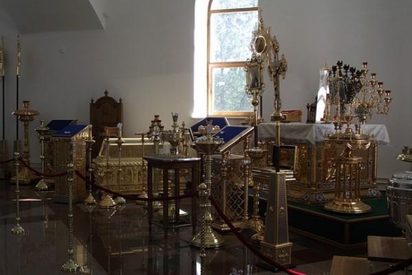 Жители Ростовской области собрали средства на церковные принадлежности для храмов Донбасса