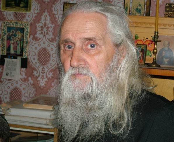 Умер известный литературовед монах Лазарь (Афанасьев)