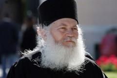 Игумен Ефрем Ватопедский призвал украинцев поддерживать каноническую Церковь (+Видео)