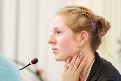 Анна Сонькина: Если человек, кричащий от боли, убивает себя, мы просто не имеем морального права думать о других причинах самоубийства
