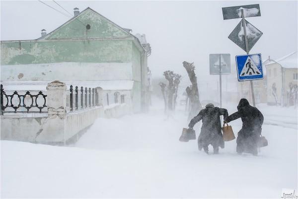 Замело. 26 апреля 2014 года. Аномальные снегопады в конце апреля на Урале. Город Шадринск. Автор - Эдуард Кутыгин