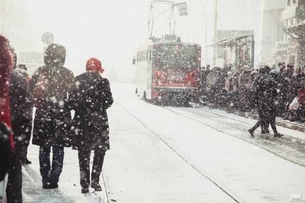 Весенняя метель. Как только Екатеринбург стал похож на весенний город, уральская погода снова напомнила о себе. Автор - Елизавета Цепова