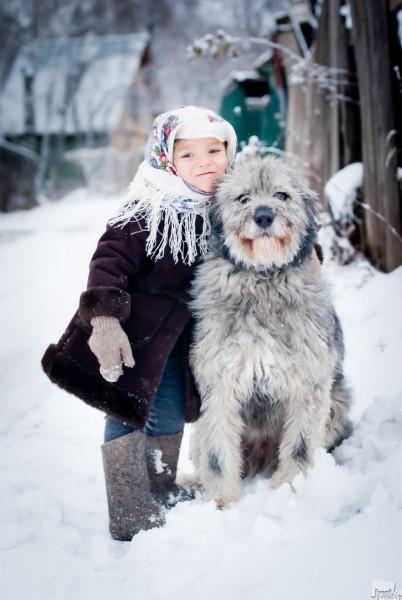 Собачье счастье. Фанту взяли из собачьего приюта, где она прожила три года. За тот год, который она прожила в новом доме, нее даже выражение морды изменилось - она стала спокойной и счастливой. Автор - Анастасия Кондратова