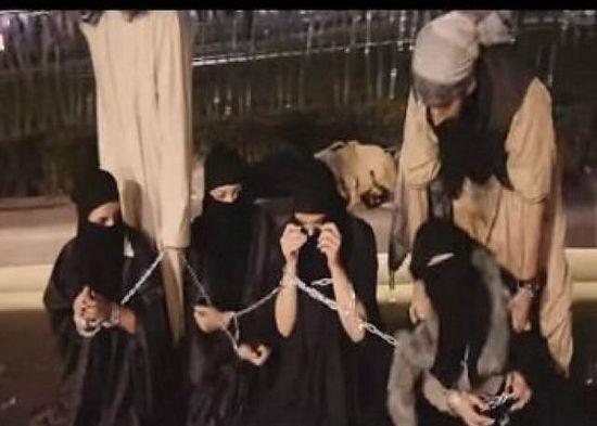 В Ираке добровольцы выкупают рабынь у боевиков ИГИЛ и возвращают в семьи (+ВИДЕО)
