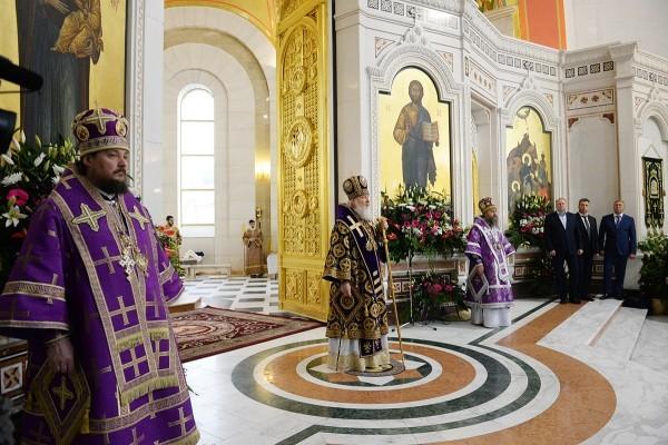 Патриарх Кирилл: Разве Господу нужны наши деньги или наши богатства?