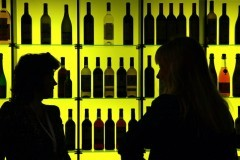 Госдума отклонила законопроект о запрете продажи спиртных напитков гражданам до 21 года