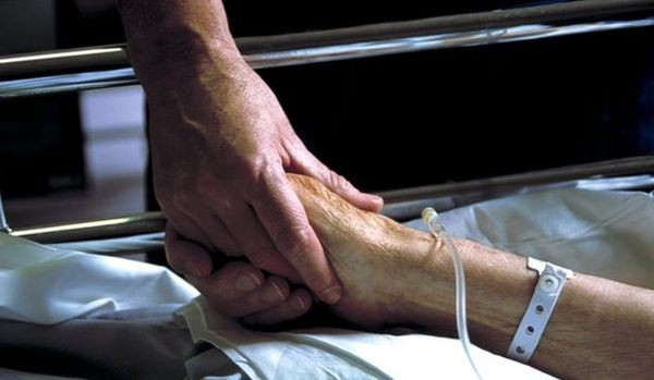 О чем говорят священник и больной онкологией