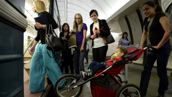 В метро могут появиться особые вагоны для женщин с детьми и инвалидов
