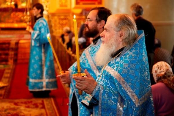 Похвала Пресвятой Богородицы Фото: eparhia-tmb