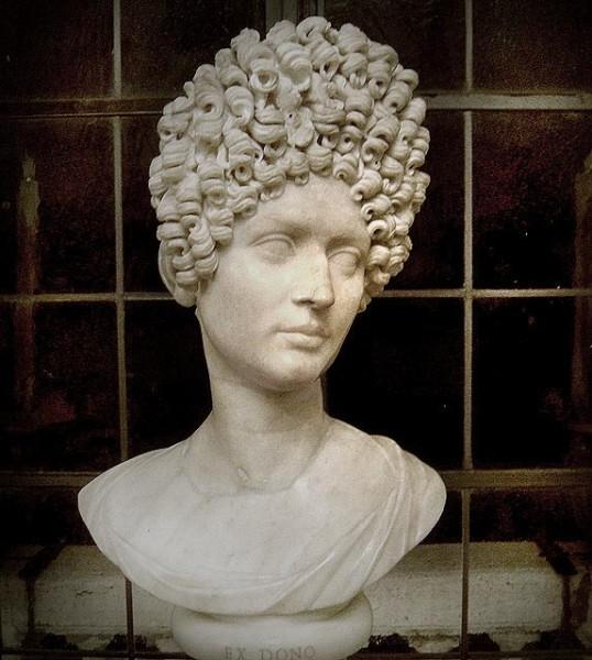 Портрет неизвестной римлянки (Флавия Юлия) 80-90-е гг. I в. Фото: Википедия