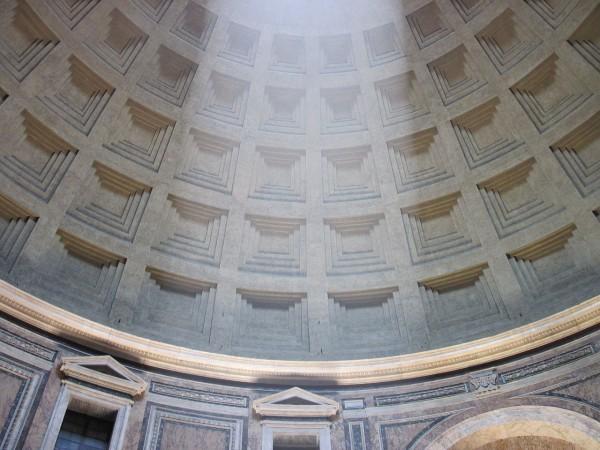 Световой потолок в римском Пантеоне. Фото: Википедия, Владимир Шеляпин.