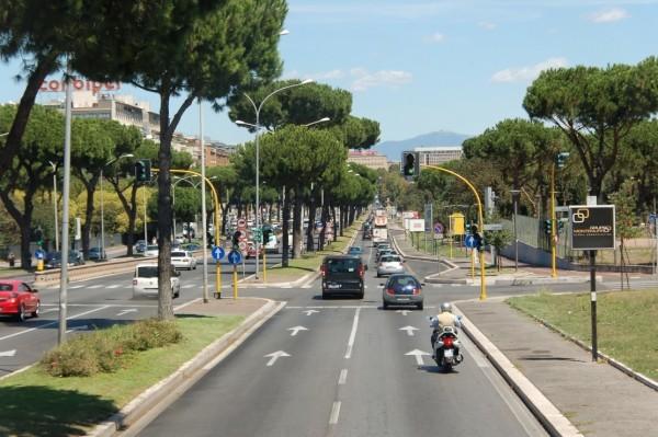 Via Cristoforo Colombo Рим. (Фото Википедия)