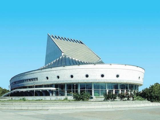 Новосибирский театр исключил из репертуара часть спектакля, оскорбляющую чувства верующих