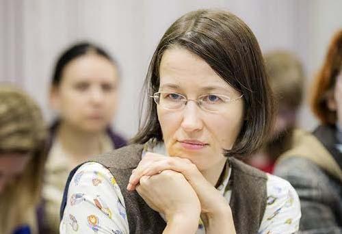 Екатерина Чистякова: Бездумный запрет писать о суицидах вычеркивает из жизни людей, которые хотели сообщить нам о своей проблеме