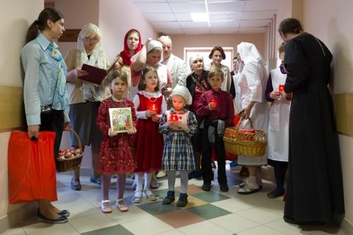 """Православная служба """"Милосердие"""" поздравит с Пасхой обездоленных"""