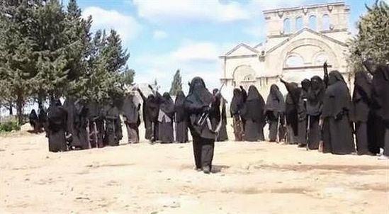 ИГИЛ тренирует боевиков на руинах древнейшего в мире христианского монастыря