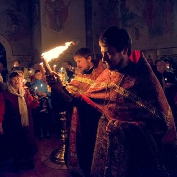 feod_hram30 Благодатный огонь в нашем храме #астрахань