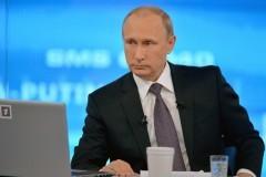 Владимир Путин: Невозможно ставить на одну доску нацизм и сталинизм