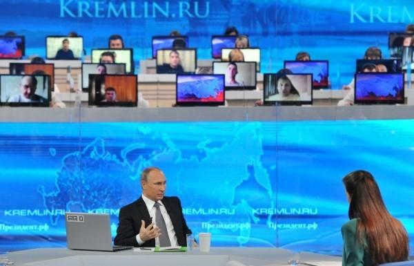 Девочке, страдающей ДЦП, установили многофункциональный тренажер, о котором она просила Владимира Путина