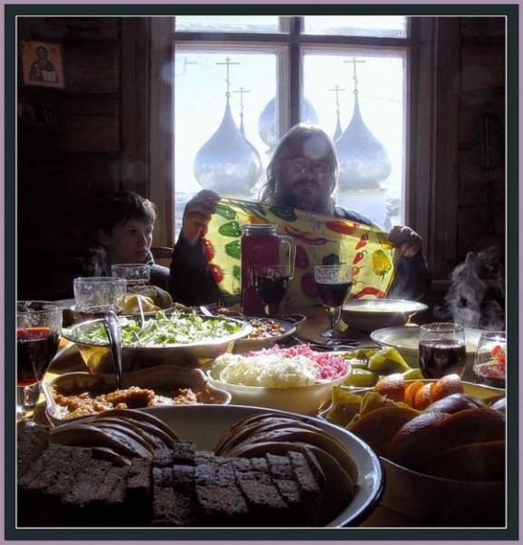 Праздничный обед в Великий Пост. Дмитрий Ломанов, 2006