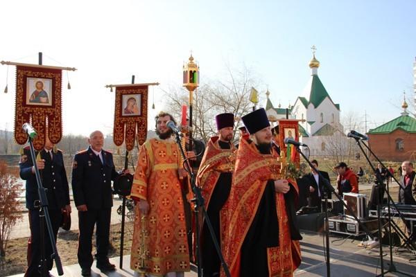 В московском храме прошел пасхальный праздник для семей беженцев с Украины
