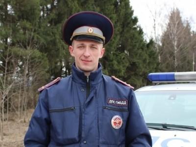Полицейский в нерабочее время спас мужчину из горящего автомобиля